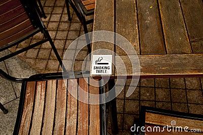 Smoking Table Sign