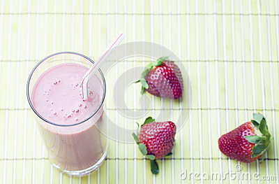 Smoothie De Fraise Photos stock - Image: 28300923