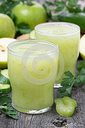 Free Smoothies Of Green Apple, Celery, Lime, Vertical Royalty Free Stock Images - 39099659