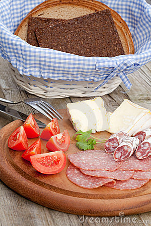 Free Snack Bread With Smoked Sausages Stock Photography - 21266772