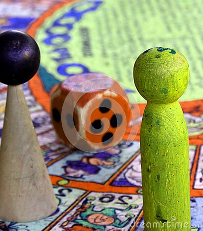 Snakes and ladders with giant nut