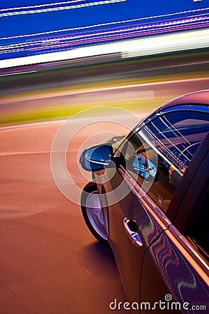 Snel het drijven van de auto