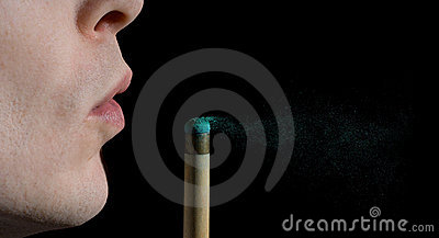 Snooker or Pool cue chalk dust