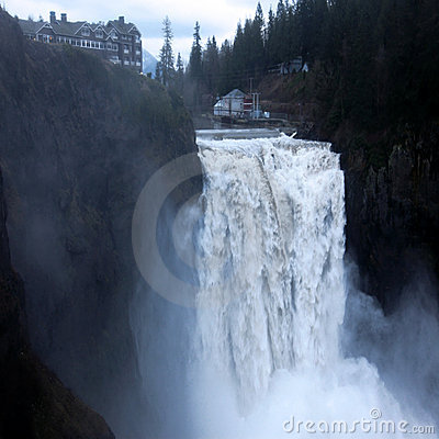 Free Snoqualmie Falls Near Seattle Royalty Free Stock Photo - 12331905