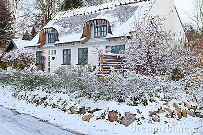 Pin by Anne Friel on Dream Homes | Pinterest | Cottages, Winter ...