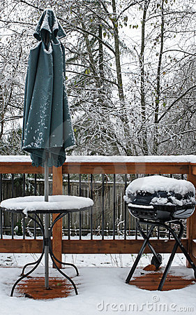 Free Snow Covered Deck Royalty Free Stock Image - 3779276