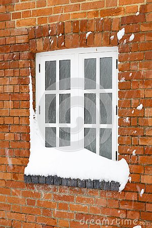 Free Snow Covered House Window Royalty Free Stock Photo - 125479905