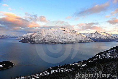 Snow mountains and lake in Queenstown, New Zealand