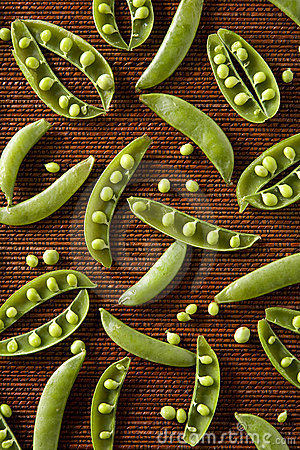 Snow Peas in Pattern