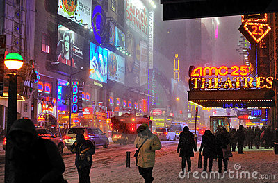Snow storm in 42 street, nyc Editorial Photo