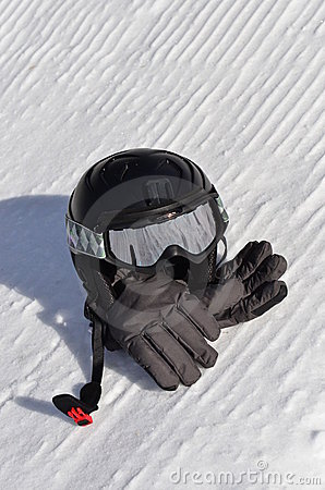 Snowboarding / skiing helmet, goggles and gloves