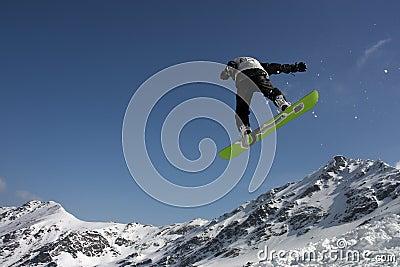 Snowboarding trick