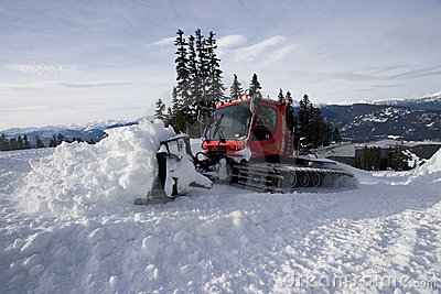Snowcat grooming