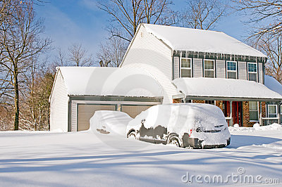 Snowstorm σπιτιών αυτοκινήτων