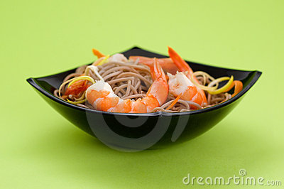 Soba noodles with shrimps