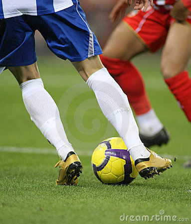 how to play efficiently soccer
