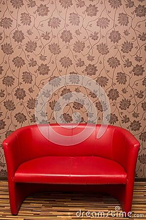 Sofà di cuoio rosso