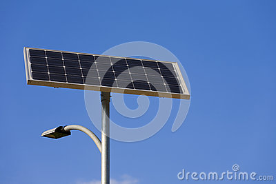 Solar cell powered street lamp