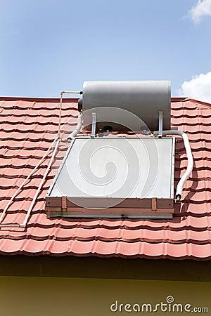 Free Solar Water Heater Royalty Free Stock Photo - 15551635