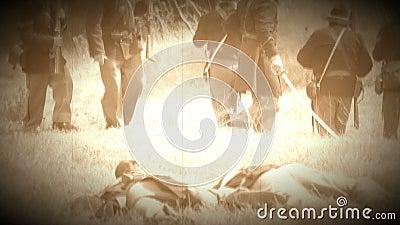 Soldados inoperantes da guerra civil no campo de batalha (versão da metragem do arquivo) vídeos de arquivo