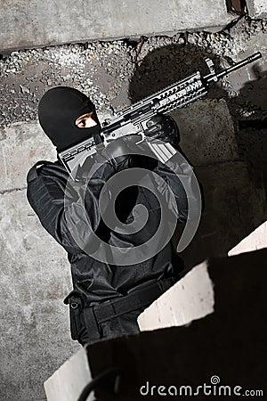 Soldier with M-4 gun