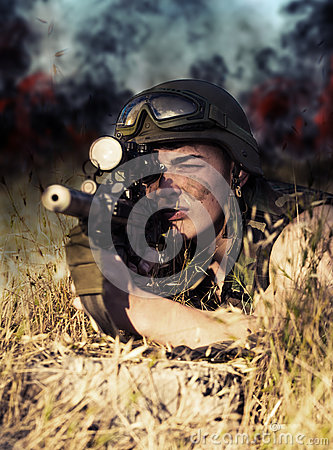 Free Soldier With Weapon Royalty Free Stock Image - 72751816