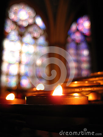 Free Solitary Candle & Stained Glass - Notre Dame Royalty Free Stock Photos - 32852058