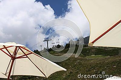 Ascensore di sci di estate