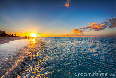 Solnedgång för fjärdstrandnåd