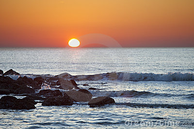 Sonnenaufgang über dem Ozean
