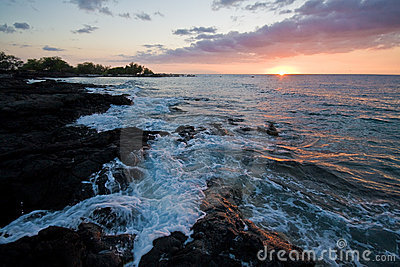 Sonnenuntergang auf Hawaii-großer Insel