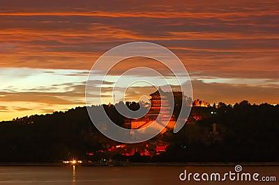 Sonnenuntergang im Sommer-Palast