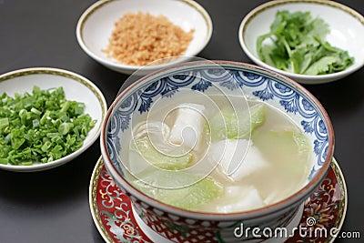 Sopa china del bacalao y de la calabaza