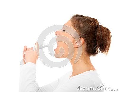 Sore throat spray