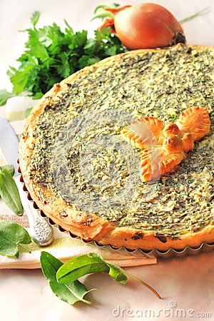 Free Sorrel Tart With Goat Cheese Royalty Free Stock Photography - 31044007
