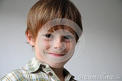 Sorrindo o menino