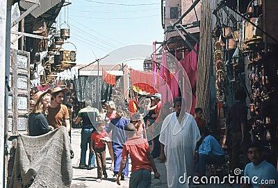 Souk i Marrakesh, Marocko. Redaktionell Bild
