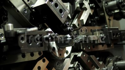 Sources automatiques et industrielles de production de machines Machines et industries banque de vidéos