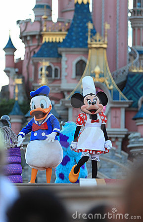 Souris de Minnie et canard de Donald Photo éditorial