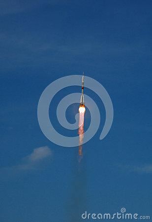 Soyuz TMA-15 Spacecraft Launch Editorial Stock Photo