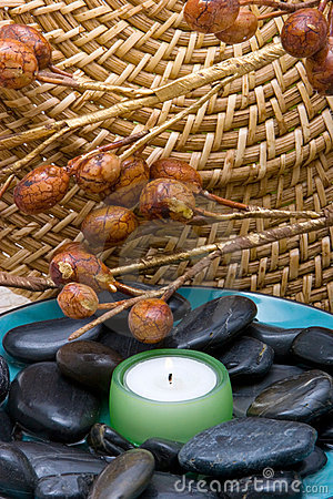 Spa candle ans stones