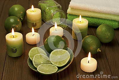 Spa composition with lime fruit and sea crystals