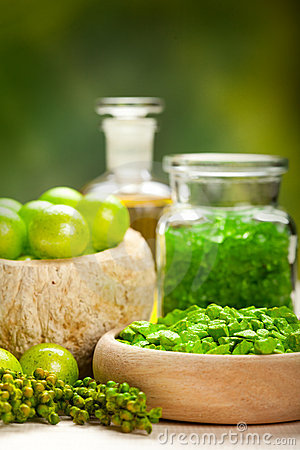 Spa essentials - green aromatherapy