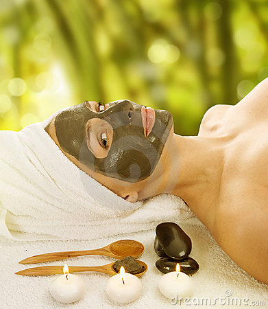 Spa facial mud mask