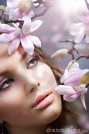 Free Spa Girl With Flowers Royalty Free Stock Photos - 17901758