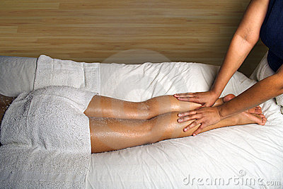 SPA LEG AND FOOT MASSAGE DETAIL
