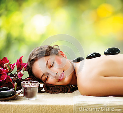 Stone Massage. Dayspa