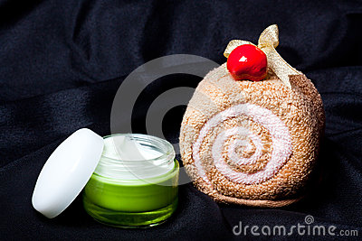 Spa set towel and cream