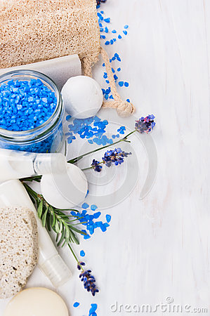 Free Spa Set With Lavender Sea Salt Royalty Free Stock Photo - 57765405