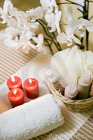 Free Spa Towel And Candles Stock Images - 4025034